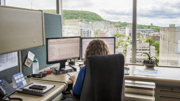 Bureaux de service quebec montreal: kanada quebec montreal